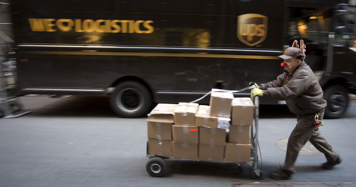 Ups Package Delivery Driver Pay >> Ups Delivery Driver Has Had It With Christmas Packages