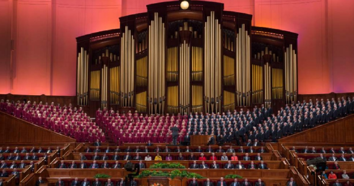 Mormon Tabernacle Choir singer resigns, compares Trump to Hitler