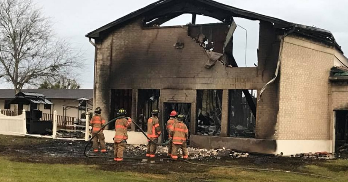 Texas mosque destroyed in early morning fire, cause unknown