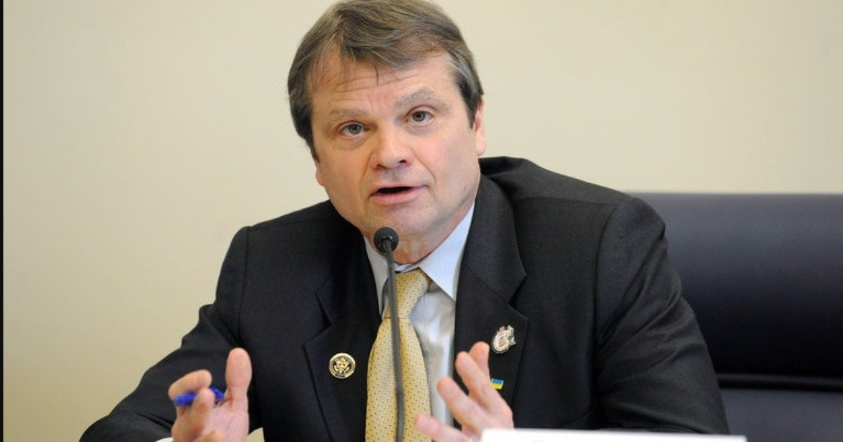 Illinois Rep. Quigley's 'Covfefe Act' would make social media a presidential record