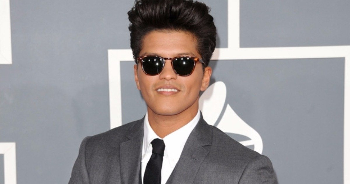 Singer Bruno Mars donates $1 million to victims of Flint water crisis